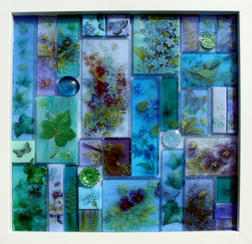 Stained glass,<br /> ceramic decals and<br /> vintage buttons<br /> 23 x 23 cm